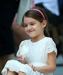 Suri Cruise anak kecil cantik