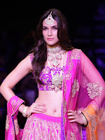 Kriti Sanon Latest Pictures at IIJW 2015-cover-photo