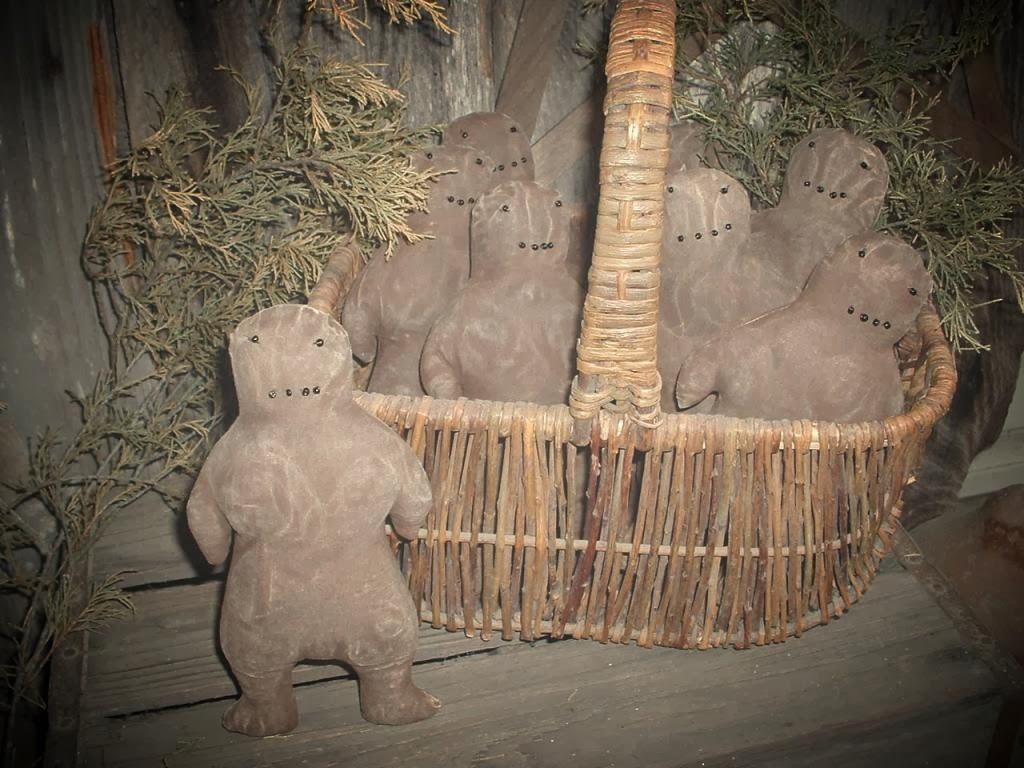 daughternature primitive folk art gingerbread men  wool