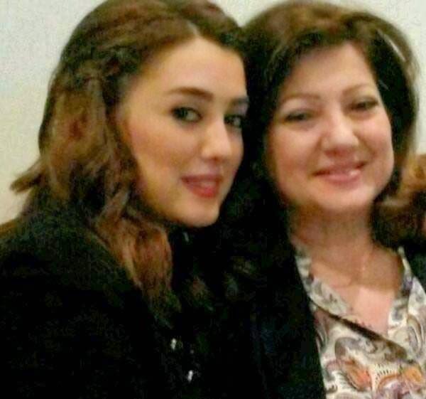 صورة كندة علوش تهنيء والدتها بعيد ميلادها, أخبار كندة علوش, صور كندة علوش,