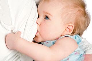 Les qualités d'une personne physique augmente la quantité de lait maternel chez les femmes qui allaitent de travail sur la production de lait