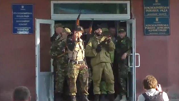 la-proxima-guerra-ejercito-ucrania-abre-fuego-real-contra-civiles-referendum-krasnoarmeisk-disparos-muertos