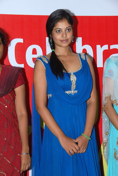 bindhu madhavi at celkon mobile successmeet, bindhu madhavi hot photoshoot