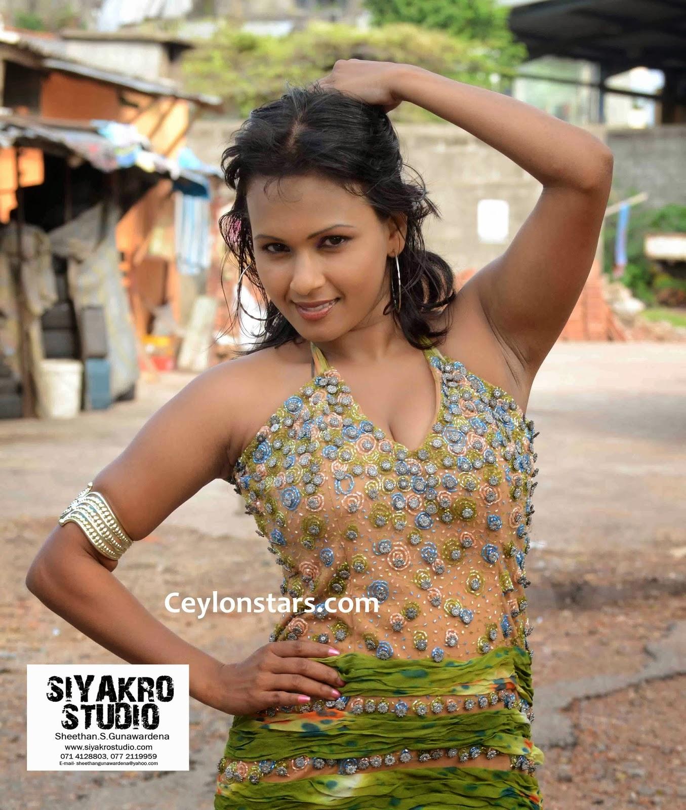 Shashika Cooray sexy