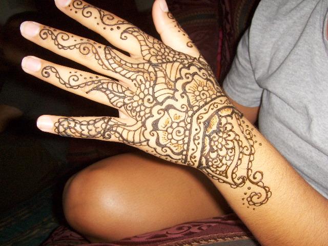Mehndi Peacock Tattoos : Simple mehndi designs for girlsliteratura por un tubo