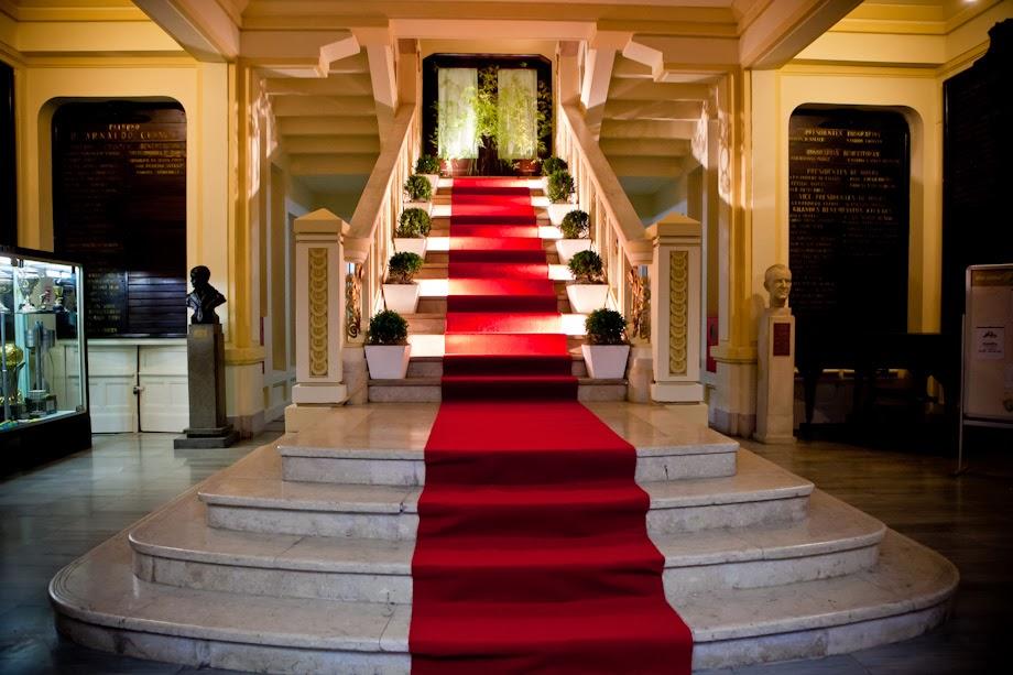 Alugamos Tapete passadeira para escadas,passarela, nave da noiva, eventos.