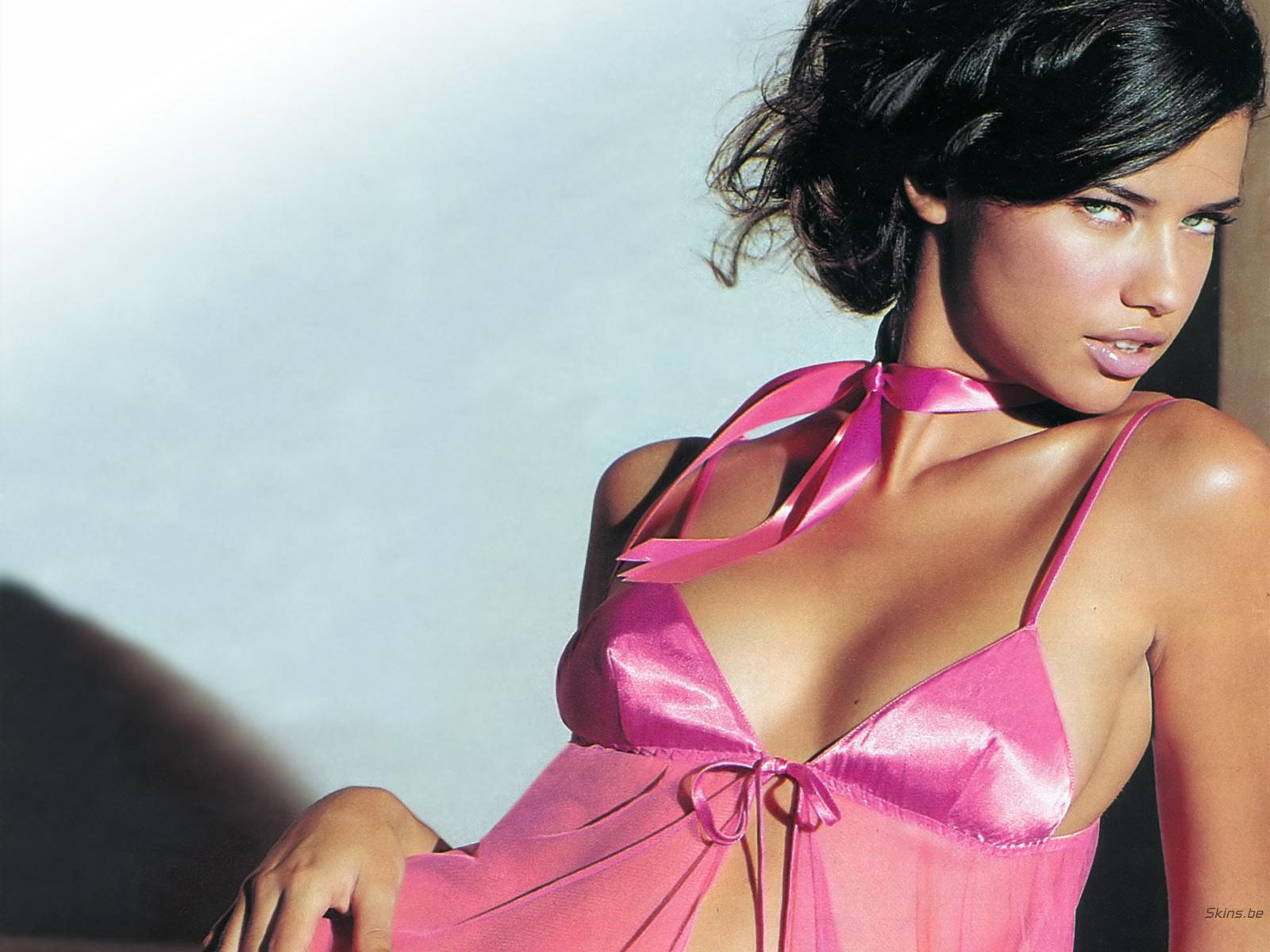 http://3.bp.blogspot.com/-gMEGM6BFSyI/UK3JbpJX_OI/AAAAAAAABf8/iF7gdBXoex4/s1600/Adriana+Lima+Hot+2012_6.jpg