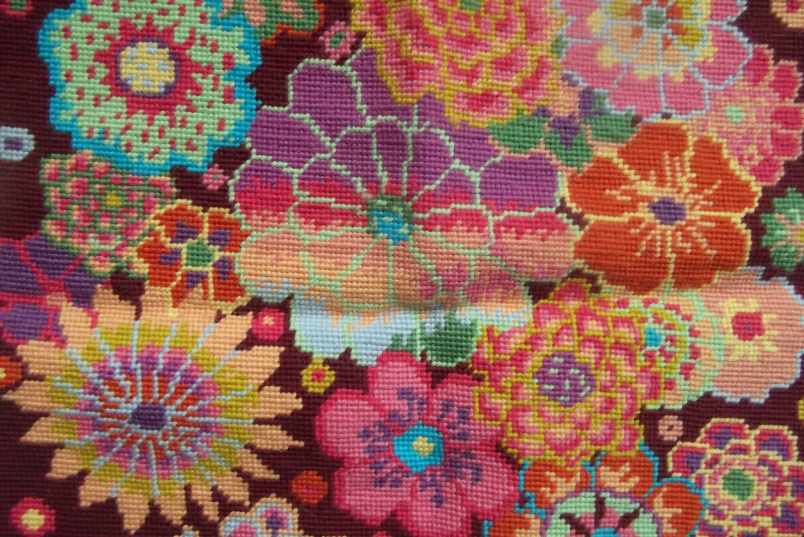 crafty-cats-corner: EHRMAN TAPESTRY AND MORE TATTING