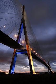 The-Pont-de-Normandie-%E2%80%93-Japan-1-