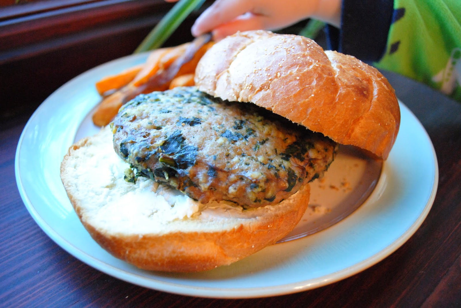 At home with ann spinach turkey burgers with goat cheese for How long to cook turkey burgers in oven at 400