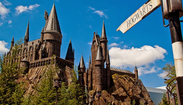 this way to Hogwarts Castle