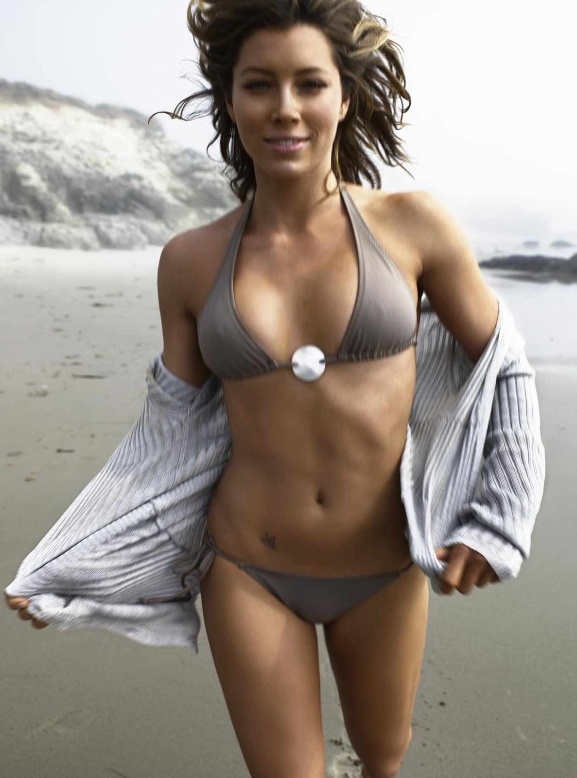 Jessica Biel Hot Holly... Jessica Biel