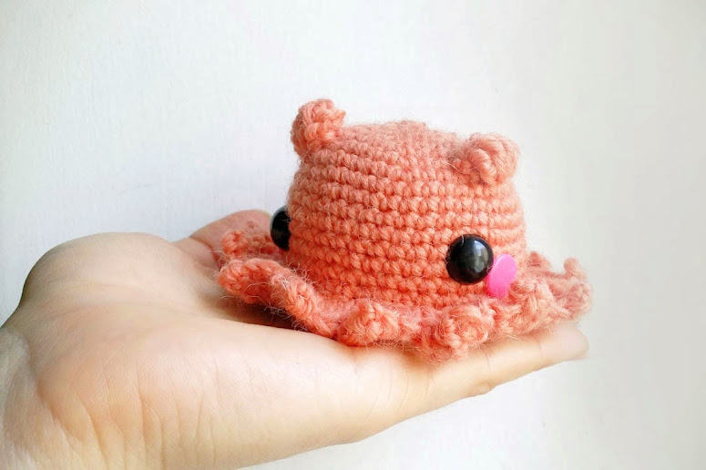 Instructions on how to crochet a cute Amigurumi Octopus  Opisthoteuthis Adorabilis. Easy crochet pattern for beginners with pictures and video included.