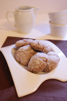 http://petitesfichescuisine.blogspot.fr/2013/01/amaretti-au-chocolat.html