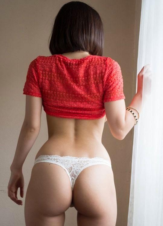 takechi-gái xinh khoe hàng khủng, sexy không chịu nổi