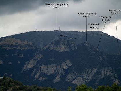 Vistes de la Serra de Queralt i del Serrat de la Figuerassa des de l'alçada de Casancots