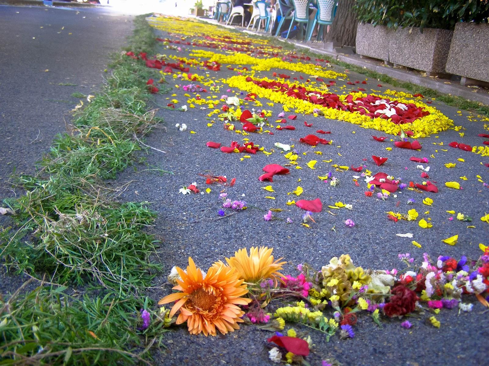La Tavola Marche La Fiorita Millions of Flower Petals Cover the Cobblestone