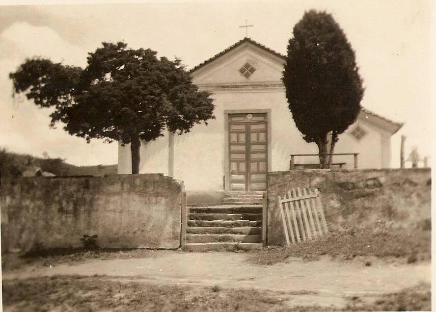 Antiga Igreja de Santo Antonio no Alto do Cangalheiro de Barbacena MG