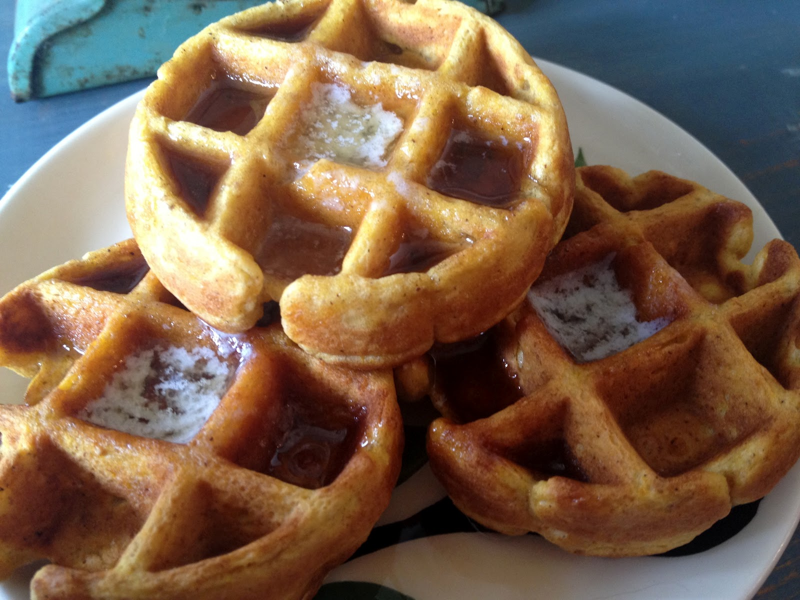 Jennuine by Rook No. 17*: Easy 5-Minute Pumpkin Waffles