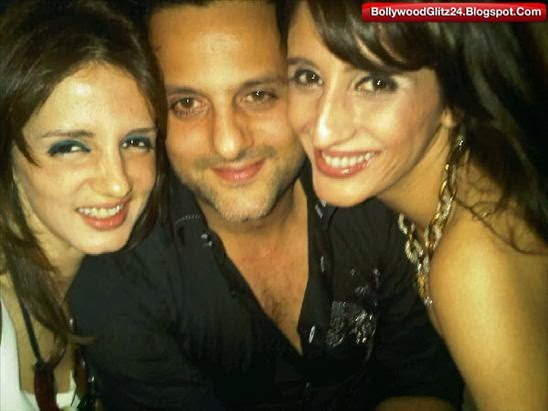 Fardeen Khan with Family