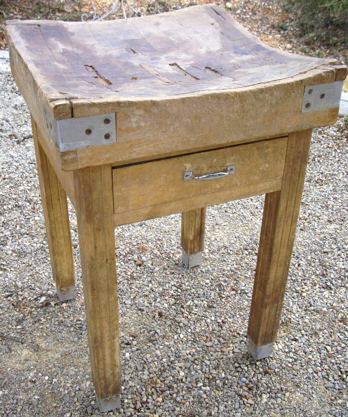 ancien plot billot de boucher table a d couper meuble de metier au fil du temps. Black Bedroom Furniture Sets. Home Design Ideas