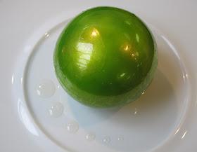 Christelle Brua, au Pré Catelan : la Pomme Soufflée Croustillante