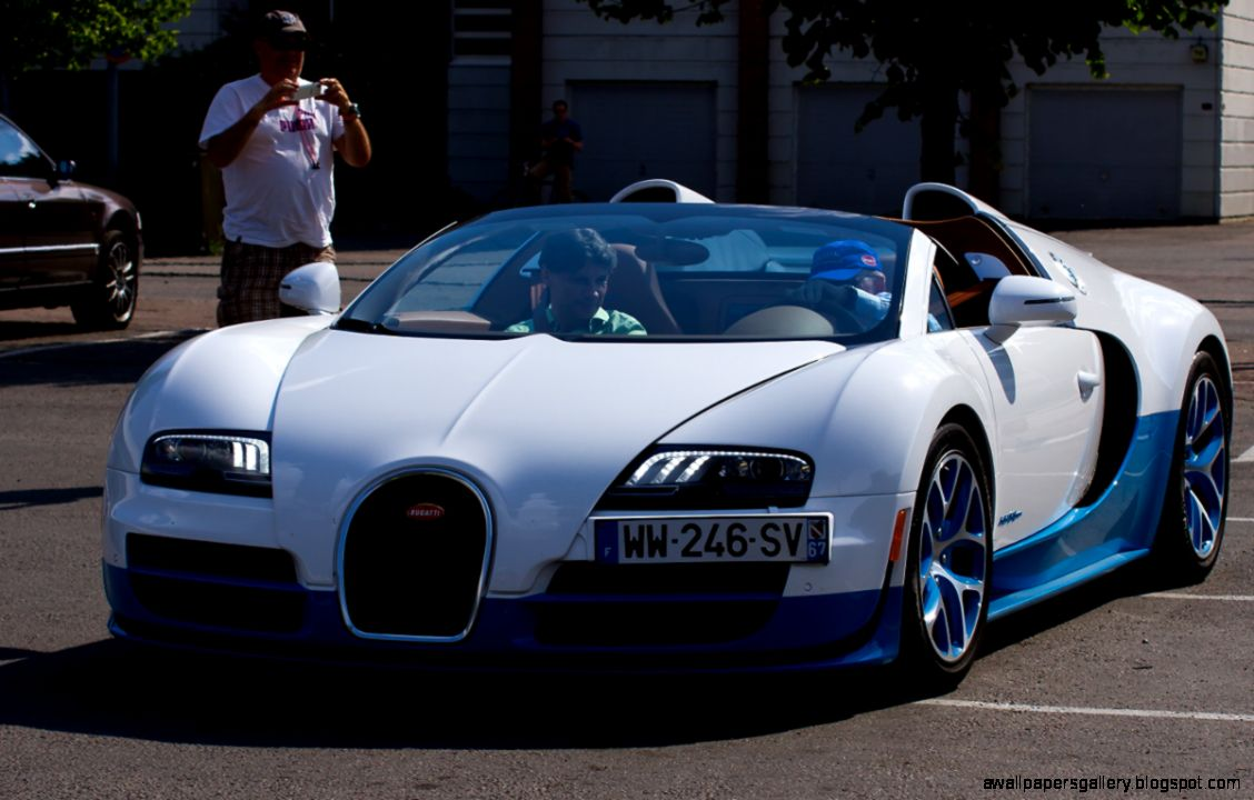 bugatti veyron price and pictures bugatti veyron price in india photo reviews indian blue book. Black Bedroom Furniture Sets. Home Design Ideas