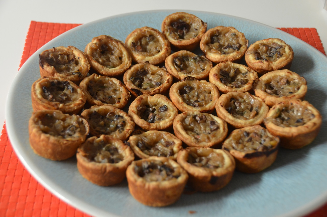 Living Deliciously in LA: Cook: Mushroom tarts