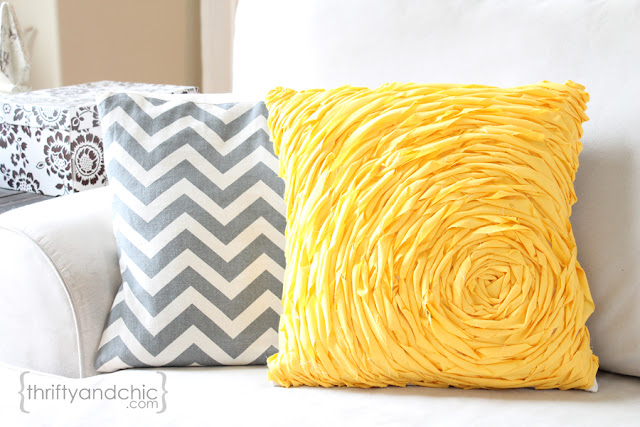 Diy Throw Pillow Instructions : DIY Throw Pillow Ideas - Classy Clutter