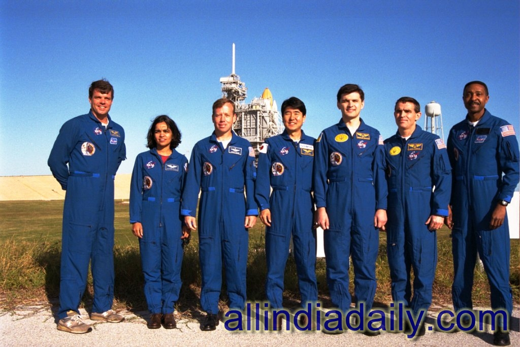 Kalpana chawla with the members of the Space crew members