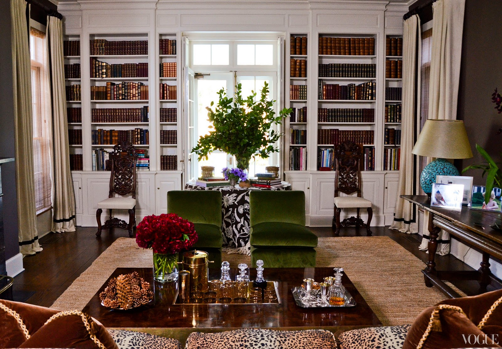 Real estate and refinement aerin lauder 39 s home east hampton - Green living room ideas in east hampton new york ...