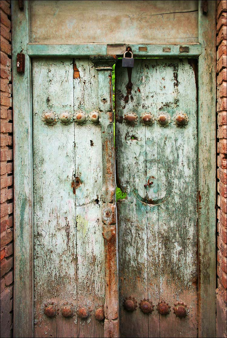 Old Wooden Doors : Contemplating beauty random things i find beautiful