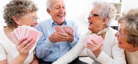 Pessoas mais felizes são mais saudáveis à medida que envelhecem
