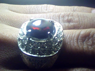 Batu cincin Black Opal