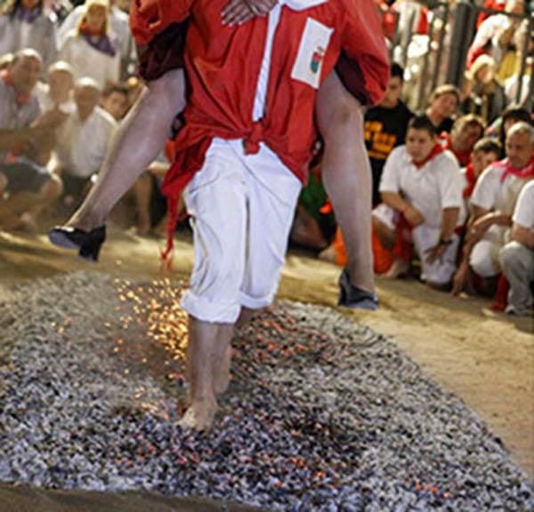Tradisi Paling Menyeramkan Di Dunia