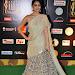 janani iyer glamorous in saree-mini-thumb-19