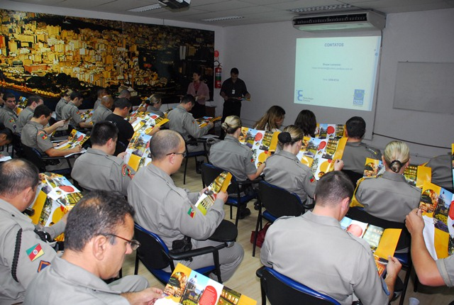 Polícia Federal quer curso que treine os agentes privados para lidar com homofobia (Foto: Osmar Nólibos)