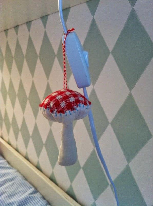 lille gren babyzimmer. Black Bedroom Furniture Sets. Home Design Ideas