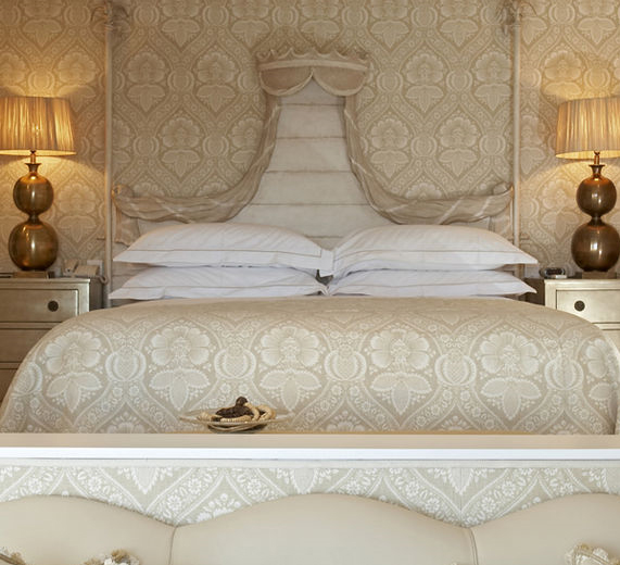 Beautiful Monochromatic Scheme In Pale Beige 39 S And Whites Is Stunning