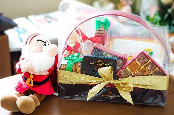 Santa's Little Helper Christmas Hamper from Shangri-la Hotel Jakarta