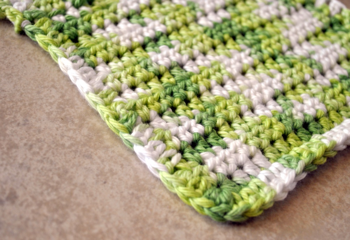 Crocheting Dishcloths For Beginners : to make a hanging loop for the cloth ss into next st for security ...