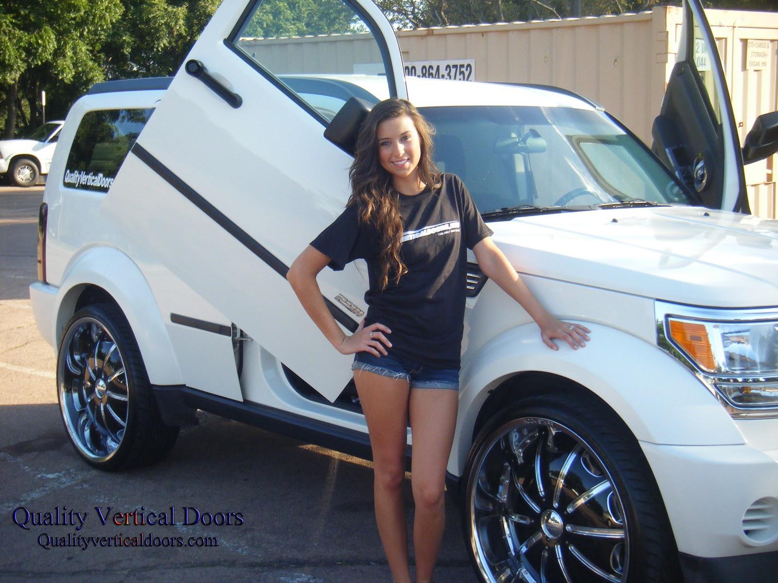 Model Sponsoring Vertical Doors Inc Brand Bolt On Lambo Door Kits