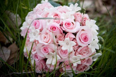 pastel pink rose bouquet with white stephanotis and pearls