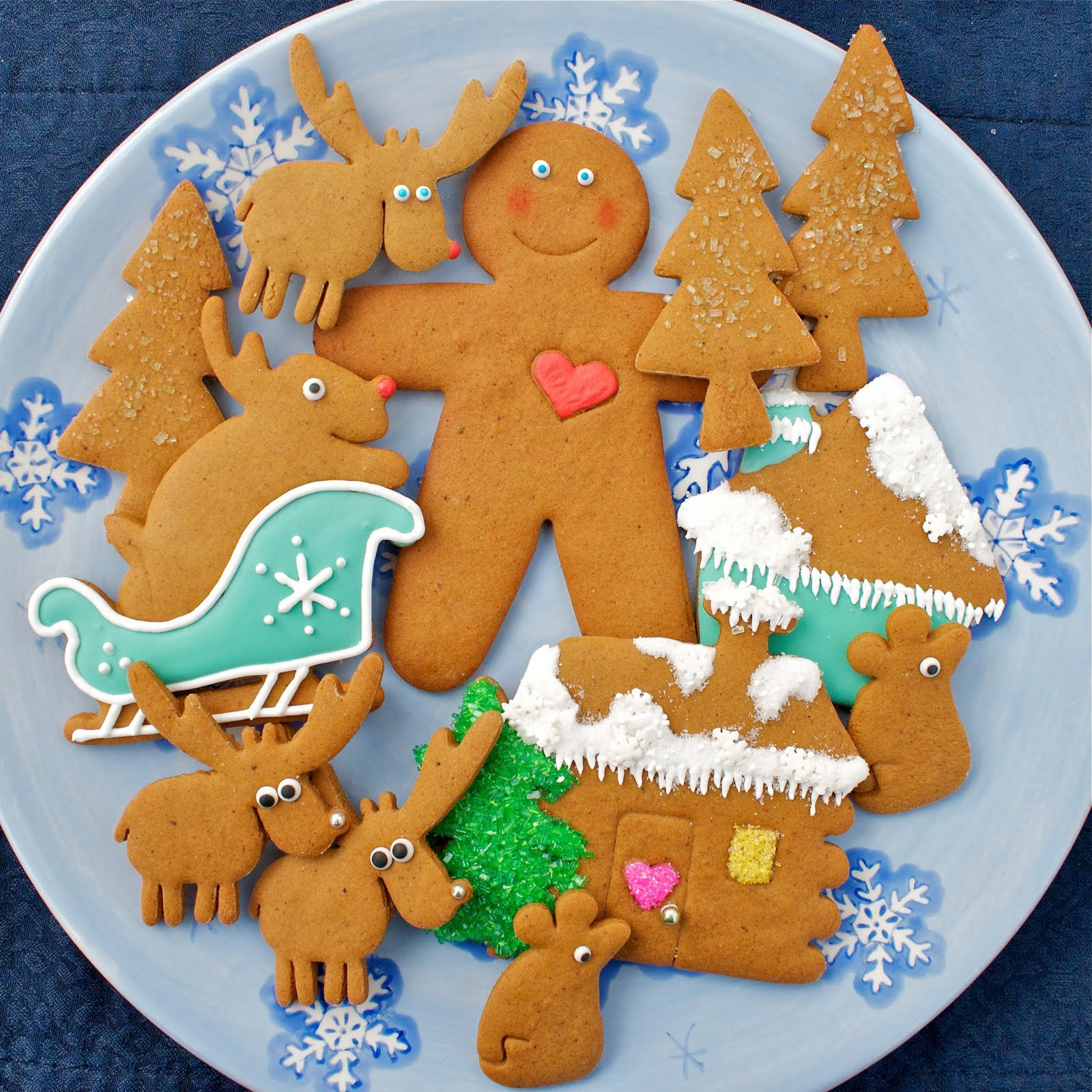 CosmoCookie: Molasses Gingerbread Cookies