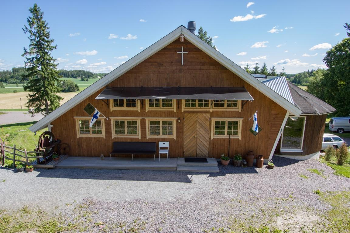 TALLIKIRKKO - VANHAMOISION YHTEISKRISTILLINEN KESKUS