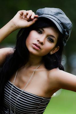 Hot Foto cantik dan seksi Putri Angraeni