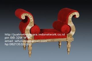 Jual mebel jepara,sofa klasik jepara Mebel furniture klasik jepara jual set sofa tamu ukir sofa tamu jati sofa tamu antik sofa jepara sofa tamu duco jepara furniture jati klasik jepara SFTM-33028 sofa klasik gold leaf