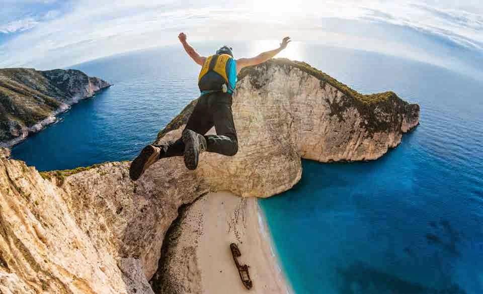 Video Base jumping Compilation: emozioni del Lancio nel Vuoto con una Telecamera GoPro