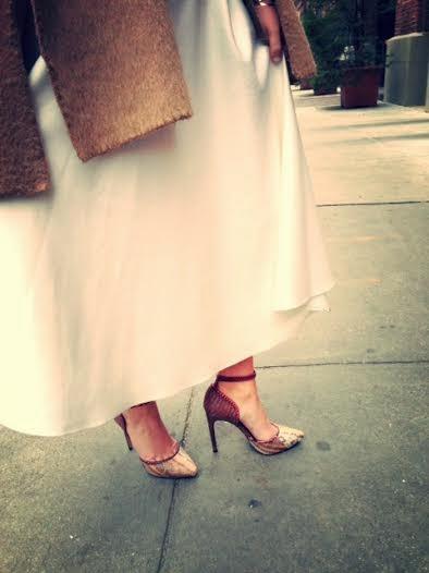ASOS white full scuba skirt, walking in high heels, skirt with pockets, python heels, cool stilettos, designer snakeskin pumps, snakeskin shoes, Rachel Roy python