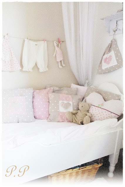 Pieni pilvenhattara prinsessa ja herne - Meisjes slaapkamer stijl ...
